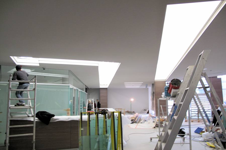 plafond tendu avec leds poseur de plafond lumineux. Black Bedroom Furniture Sets. Home Design Ideas