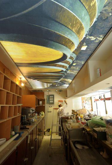 e9ad31045ac5 Plafond bar imprime retro éclaire. Plafond bar imprime retro éclaire. La Toile  tendue CLIPSO ...